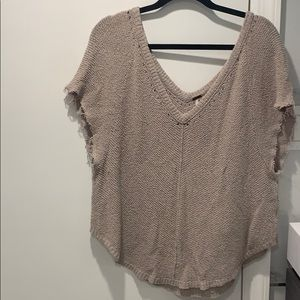 Perfect light free people sweater !!!